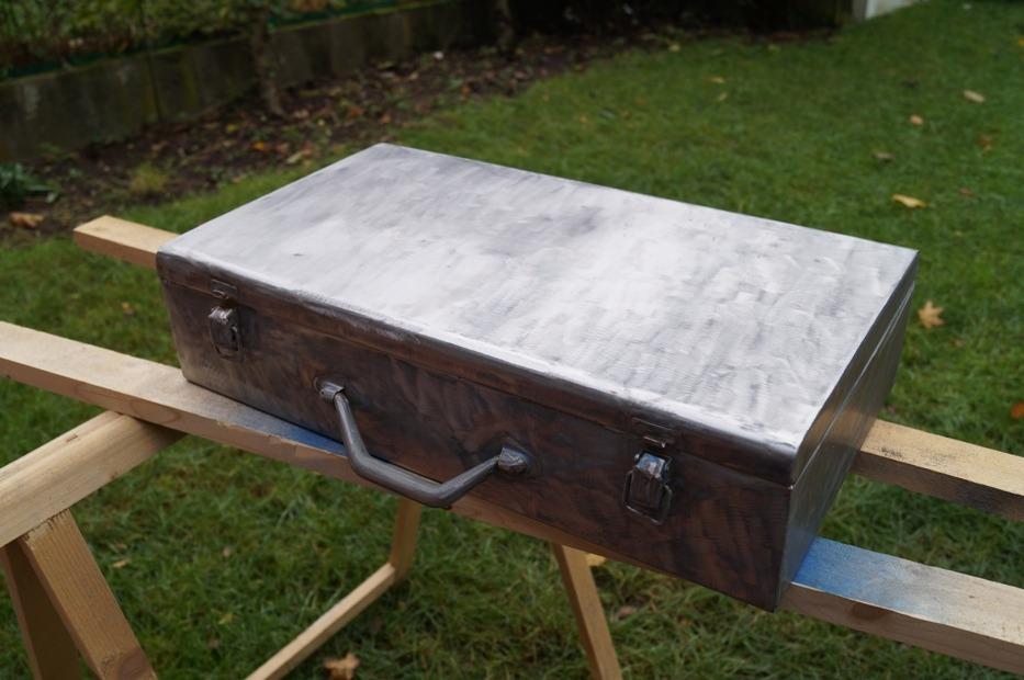 selfmade waffenkoffer restauration und lackieren woodland edition bastelecke szenario. Black Bedroom Furniture Sets. Home Design Ideas