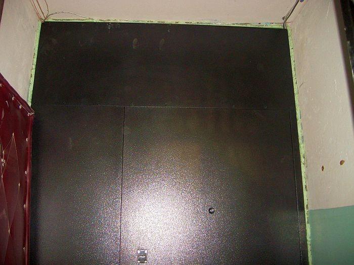 тамбурная дверь на одну квартиру с фрамугой и боковиной
