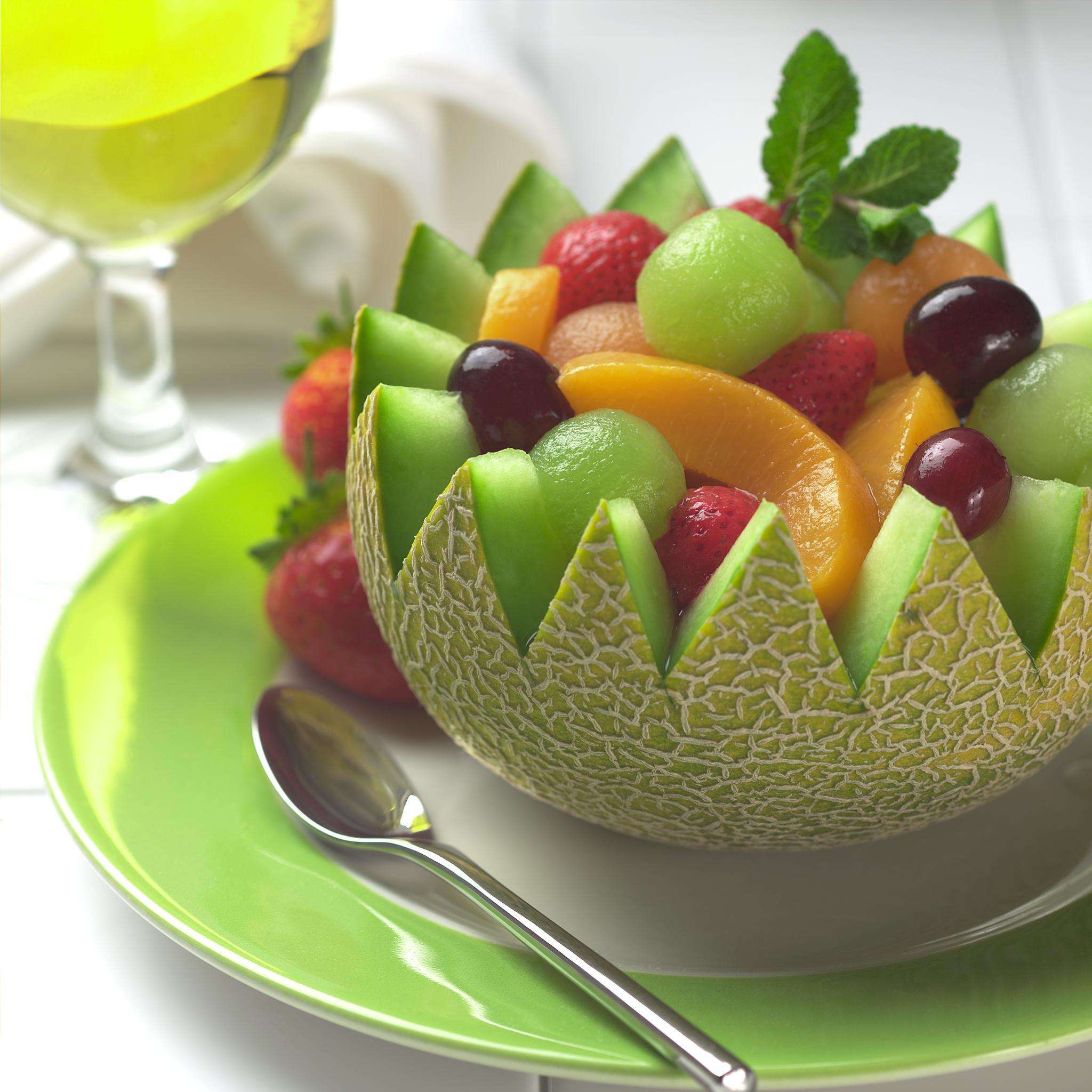 Tuna, Tomato, Cucumber Salad - Shockingly Delicious Fruit salad decoration photos