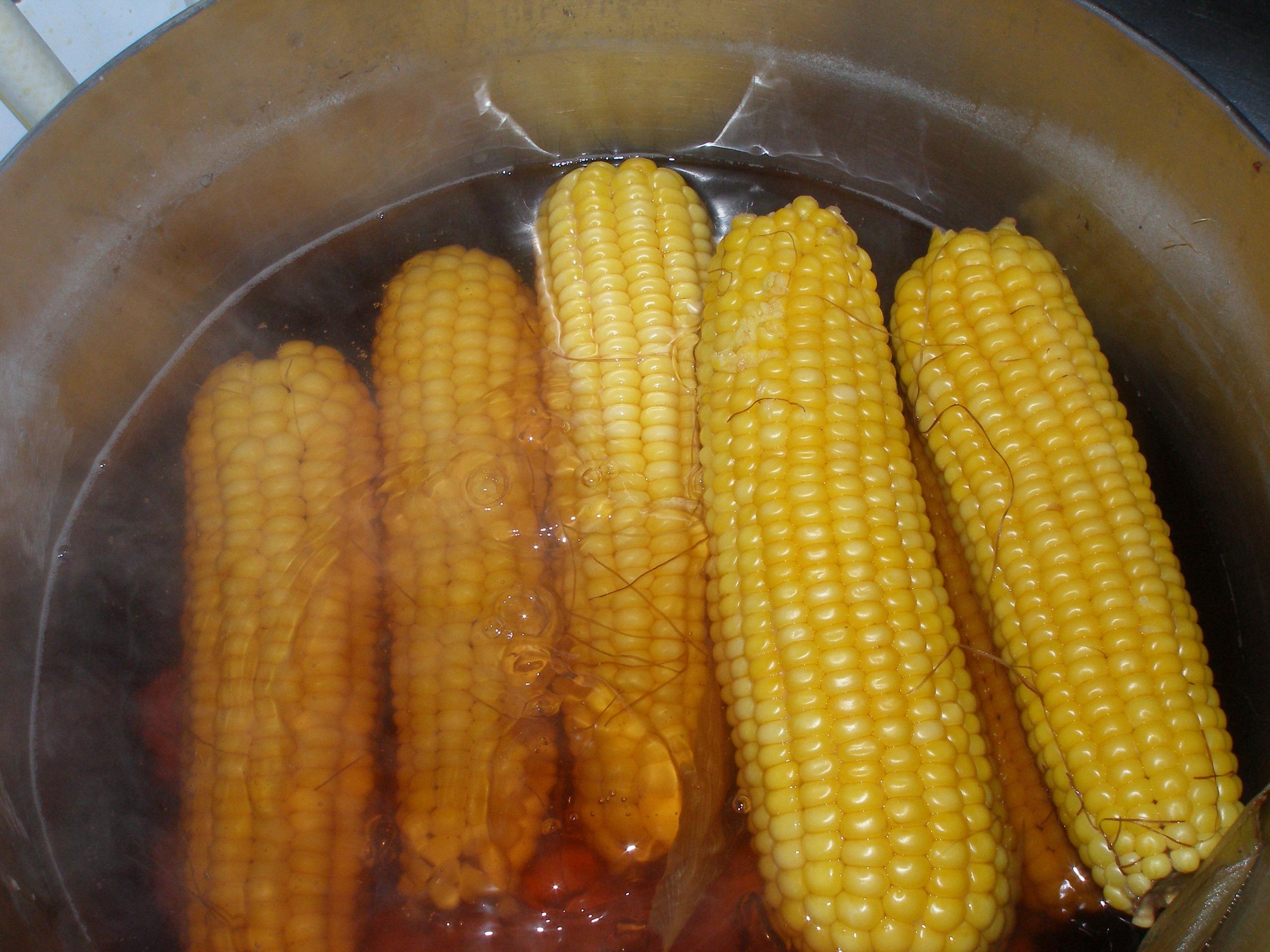 Как варить кукурузу в початках в кастрюле с солью рецепт 90