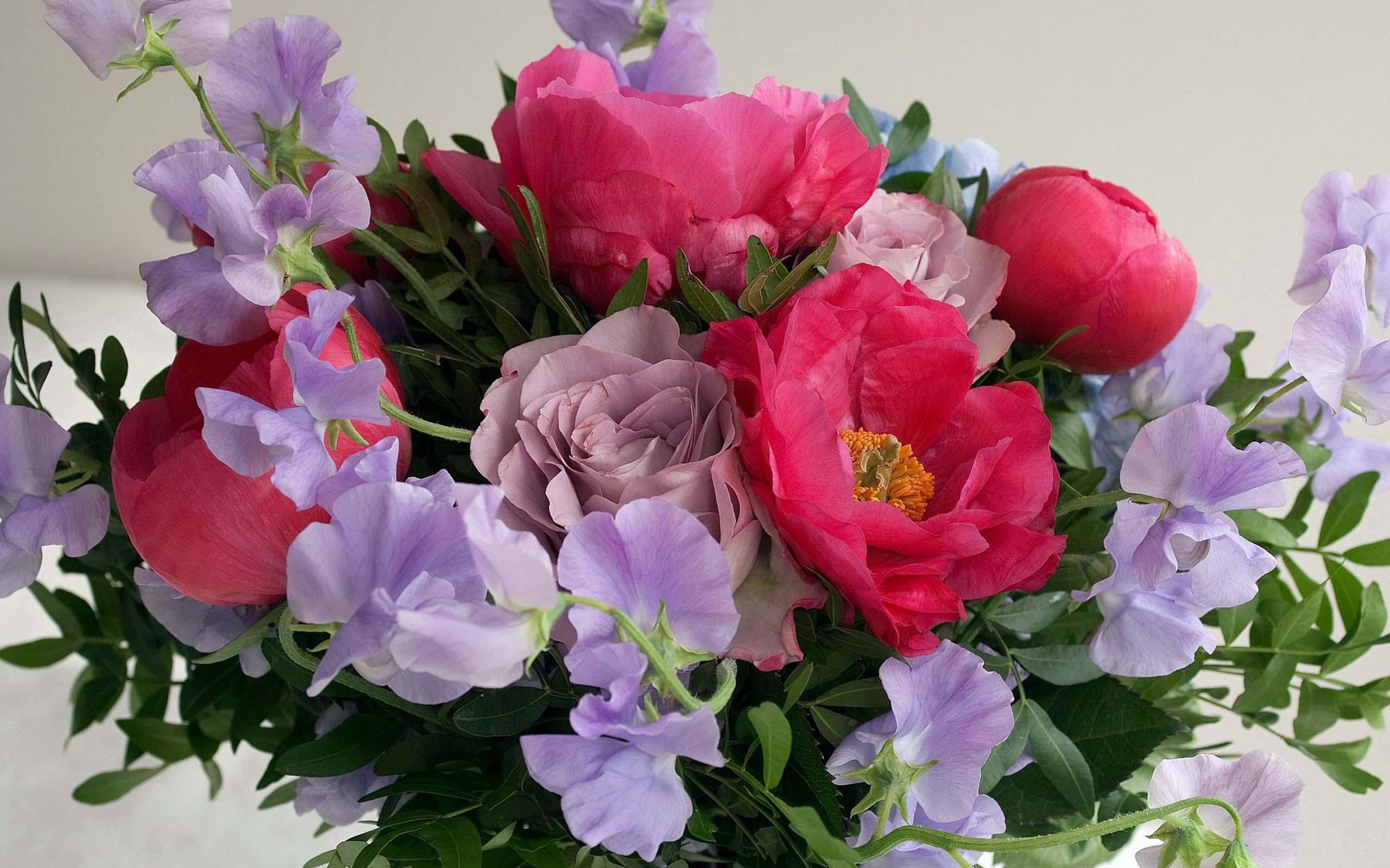 Композиции из искусственных цветов для интерьера  Орхидеи
