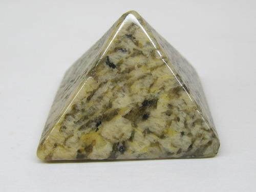 Энергия камней № 95 Плагиоклаз (пирамида) фото, обсуждение