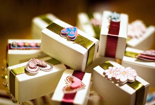 Прикольные подарки на свадьбу своими руками из