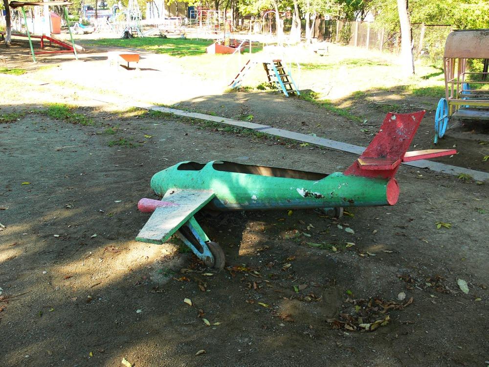 Деревянный самолет для детской площадки своими руками 17