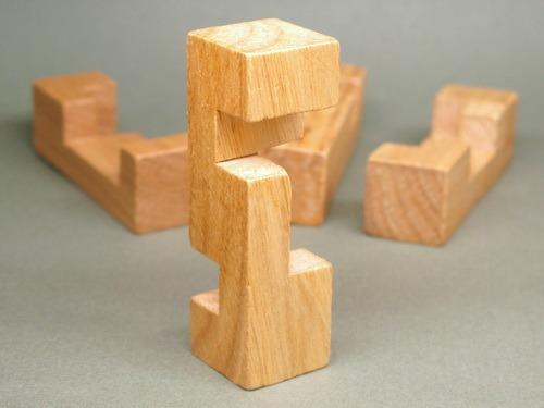 Занимательные головоломки №29 Коробка с поперечными брусками