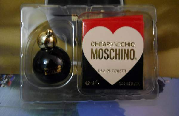 "Парфюм №6 - ""Cheap and Chic"" от Moschino"