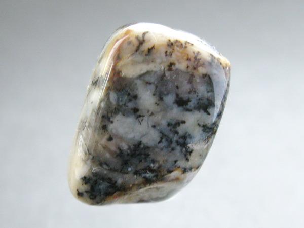 Энергия камней №111 Моховой опал (окатанный камень) фото, обсуждение
