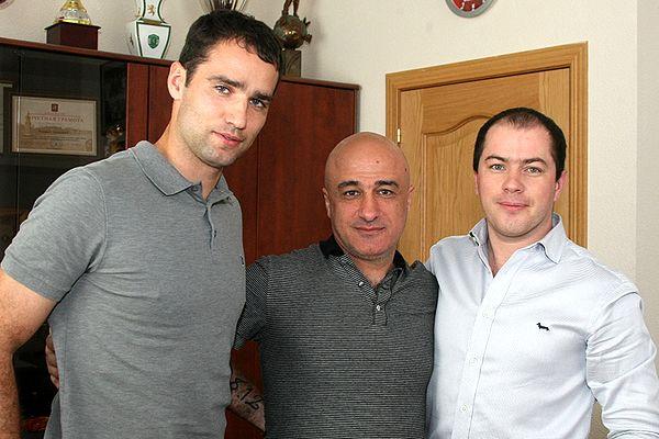 Широков официально в «Спартаке» / Широков: «Отец всю жизнь болел за »Спартак