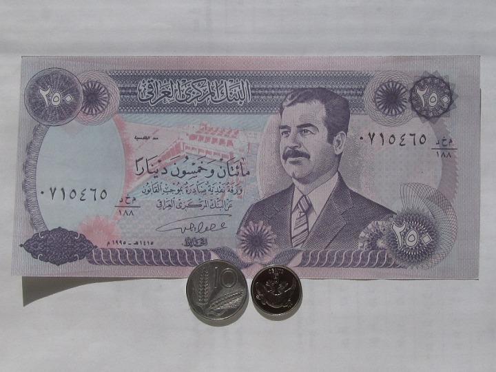 Монеты и банкноты №47  1 динар (Ирак), 5 центов (Кирибати) + 10 лир (Италия)