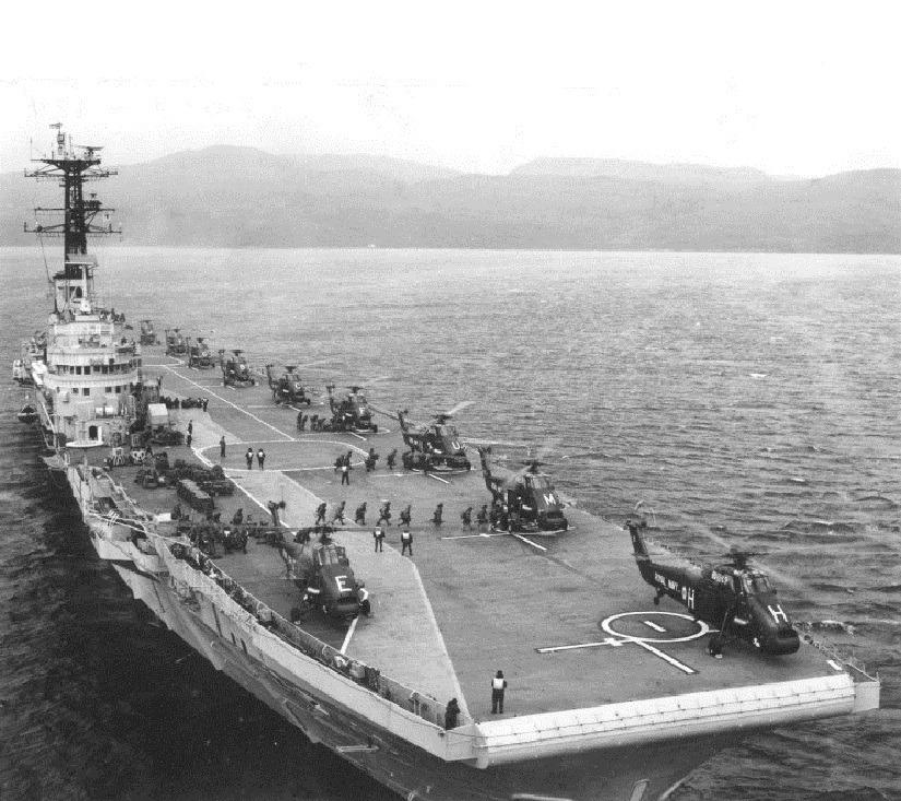 1971: HMS Bulwark R-08 Norway.